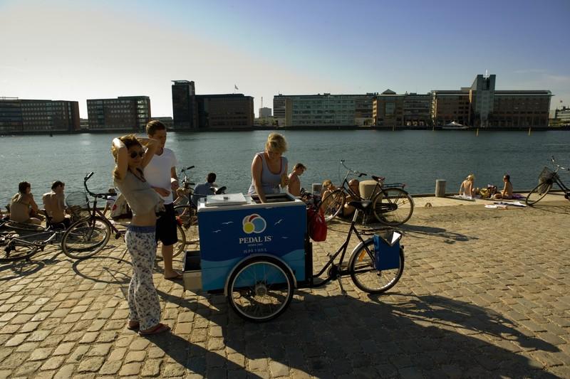 Rollender Eisverkauf an der Islands Brygge